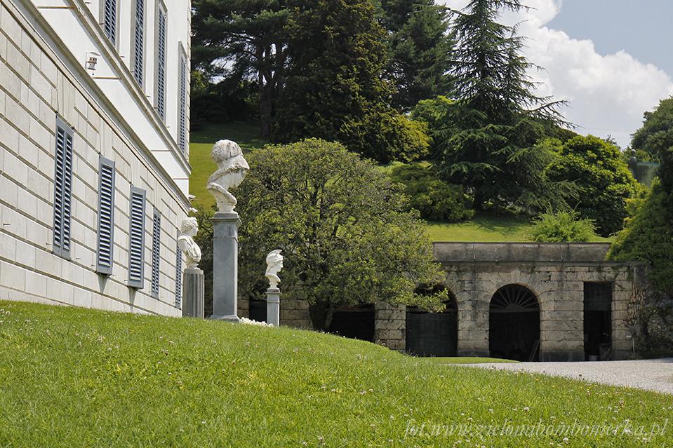 Rzeźby. Popiersie Vittorio Alfieri igłowy bogiń rzymskich