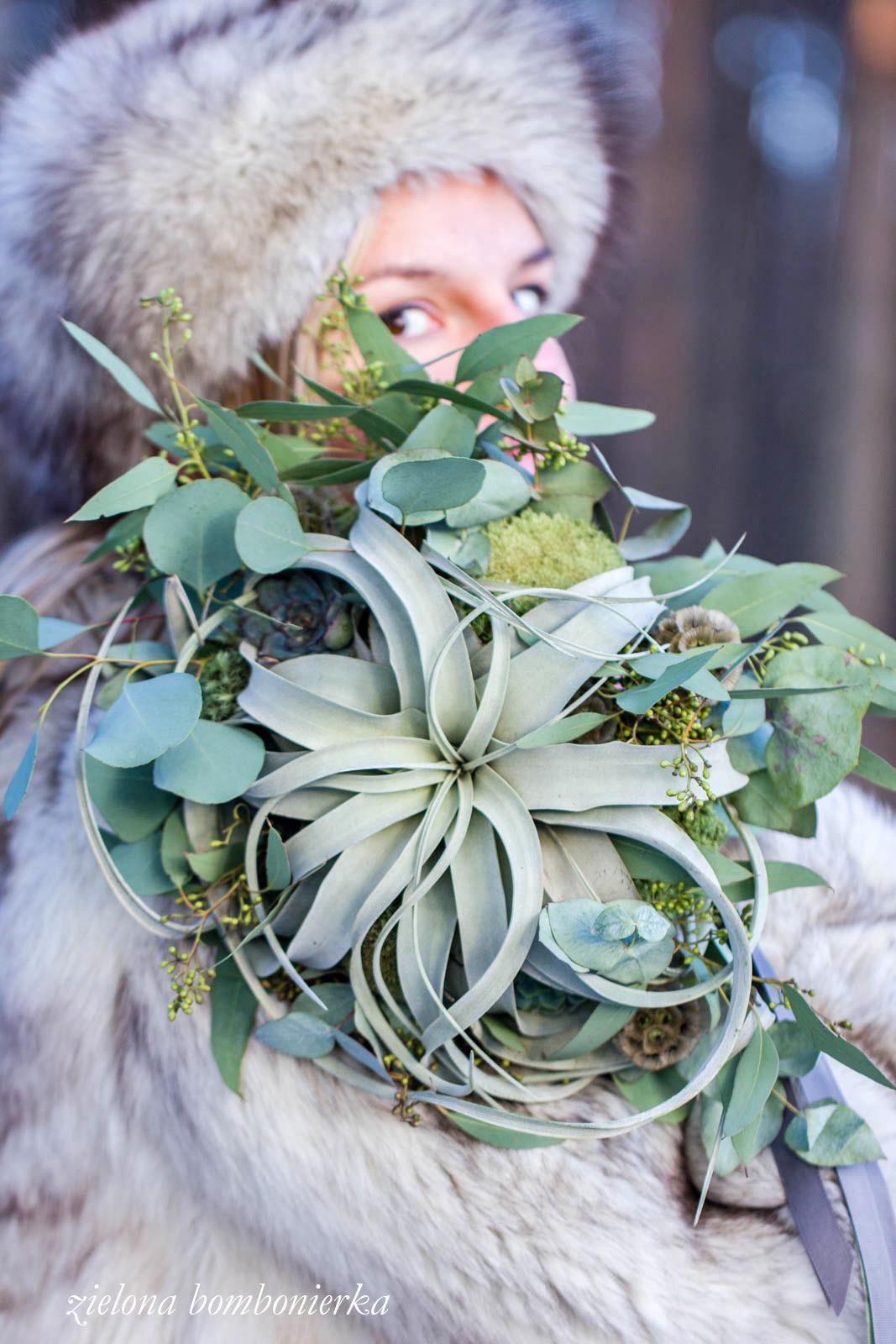 Zimowe bukiety ślubne – sesja foto dla Gretaflowers